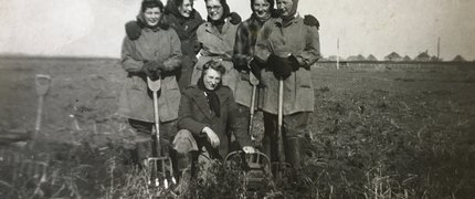 land girls VE day